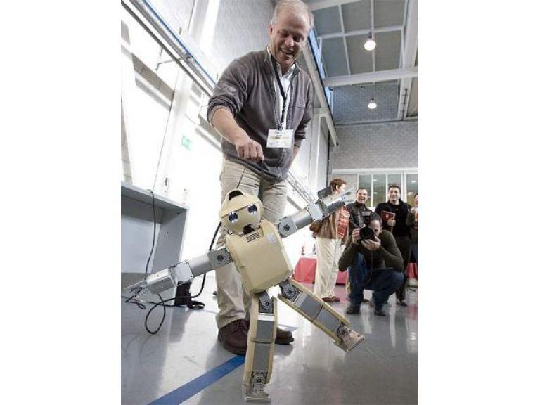 Un robot capaz de obedecer a gestos humanos